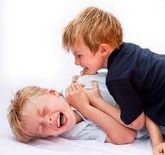 ناسازگاری کودک با همسالان