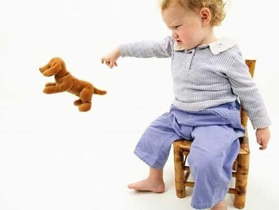 چگونه با کودک لجباز رفتار کنیم؟